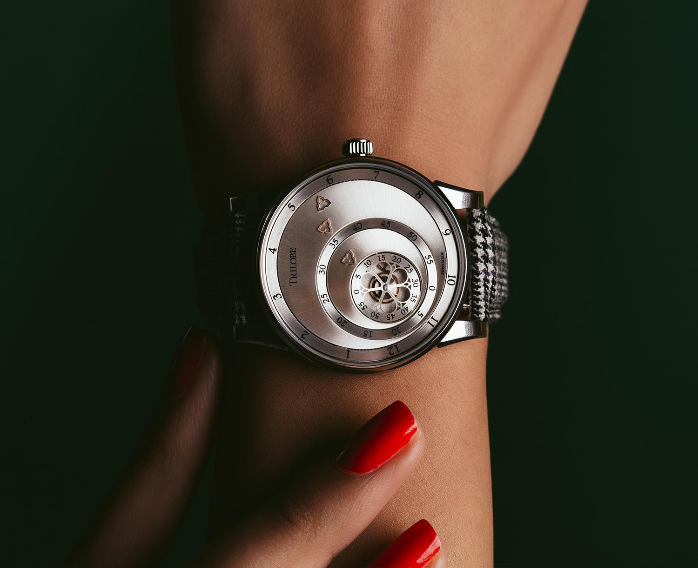 Montre automatique Trilobe de la Collection Les Matinaux avec un cadran Argent Soleillé et un boîtier de taille 38,5mm