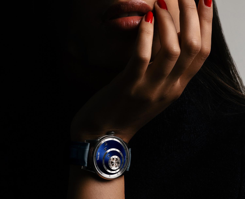 Montre automatique Trilobe de la Collection Les Matinaux avec un cadran Bleu Soleillé et un boîtier de taille 38,5mm