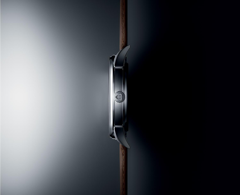 Vue de profil de la montre Les Matinaux.