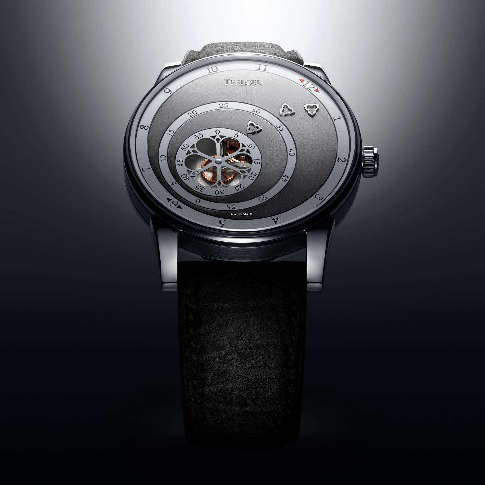 Vue de face d'une montre automatique Trilobe de la Collection Les Matinaux avec un cadran Gris Soleillé