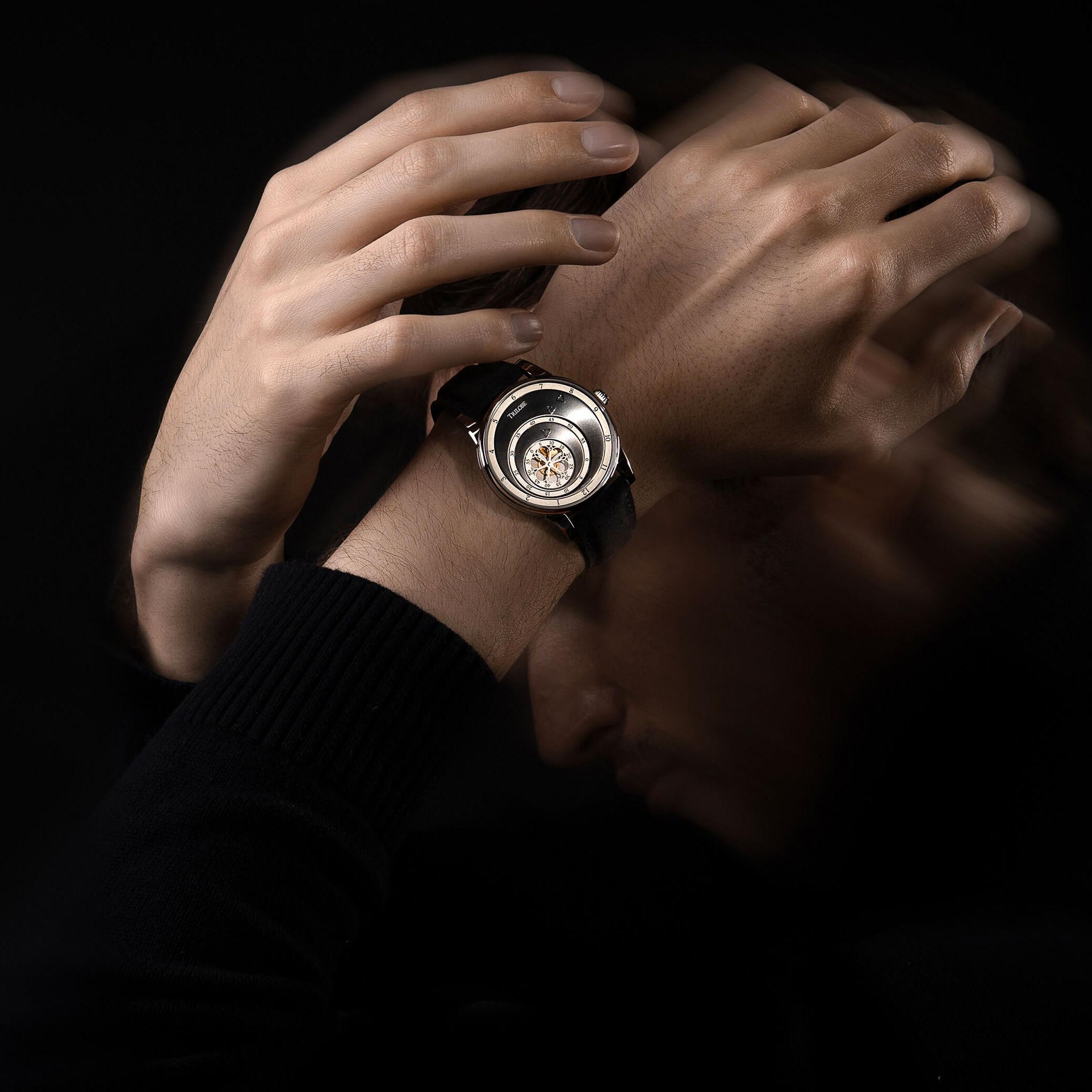 Montre automatique Trilobe de la Collection Les Matinaux avec un cadran Gris Soleillé